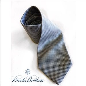 BROOKS BROTHERS SILK MENS NECKTIE TIE